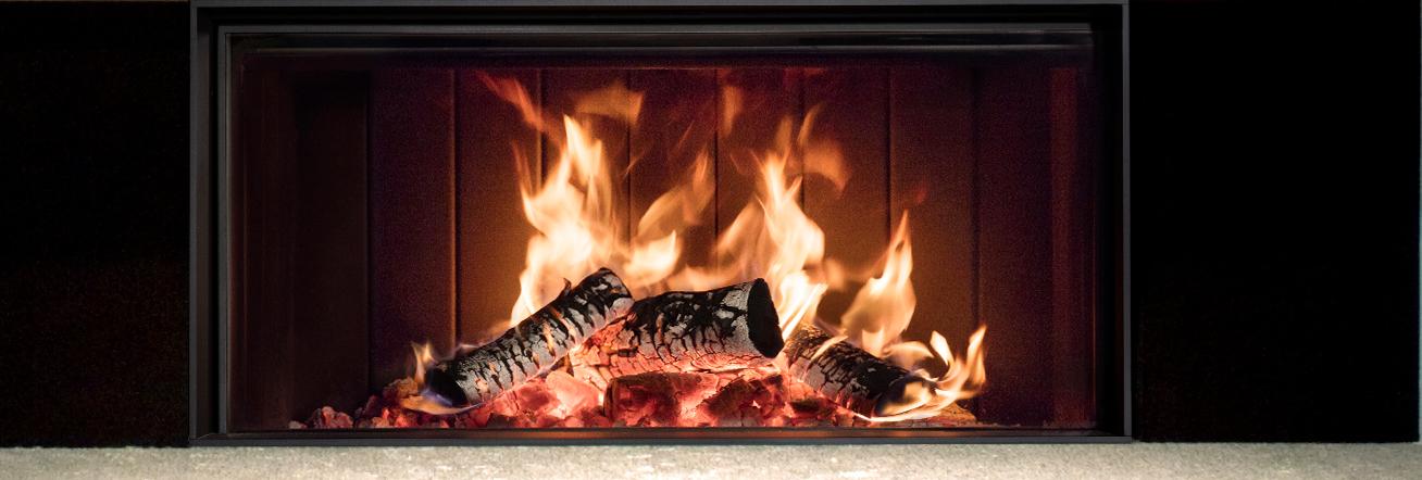 Feuer im Holzkamin